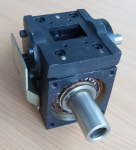 Near zero backlash double enveloping worm drive